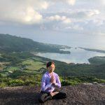 川平湾を見下ろすサンライズトレッキング